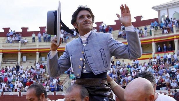 Diego Ventura en su salida a hombros este miércoles en el cierre de la Feria de Cuenca