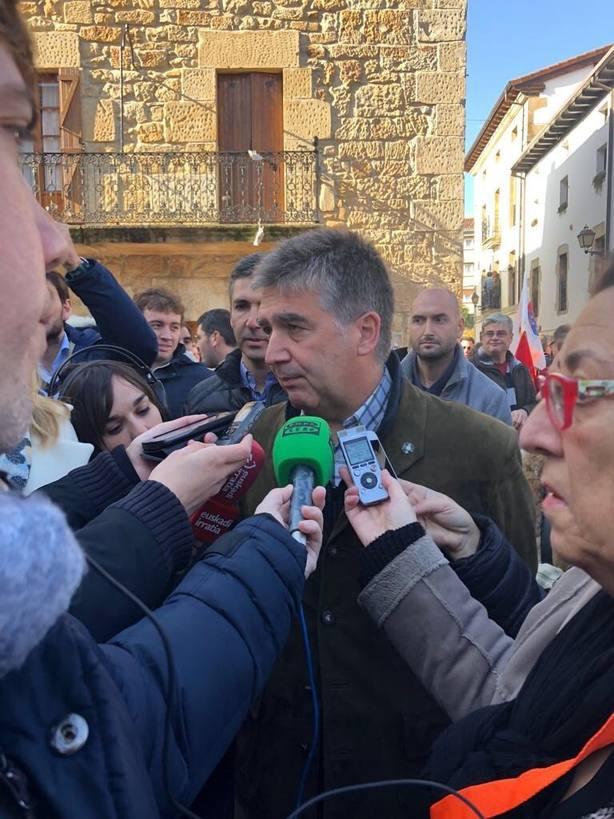 Cosidó (PP) acusa al PSOE de estar más del lado de los violentos que de los demócratas tras su ausencia en Alsasua