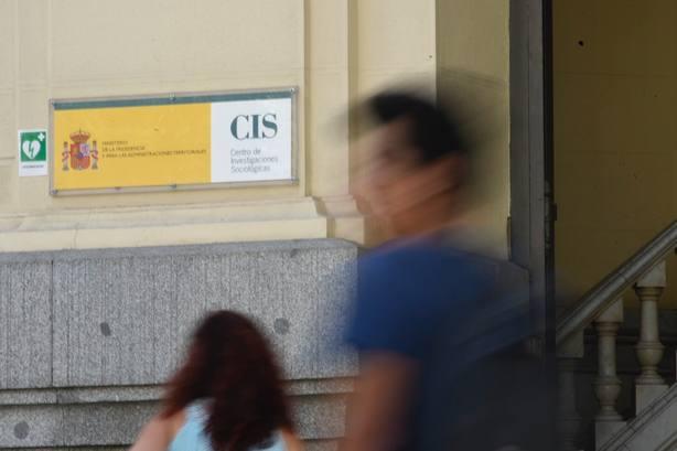 El CIS mantiene al PSOE en cabeza, con el PP a 12 puntos recuperando la segunda plaza a costa de Ciudadanos