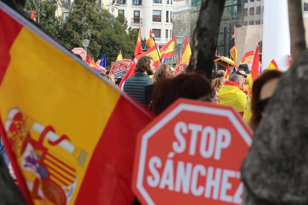 Almeida insta a Pedro Sánchez a convocar elecciones y dejar que el pueblo hable