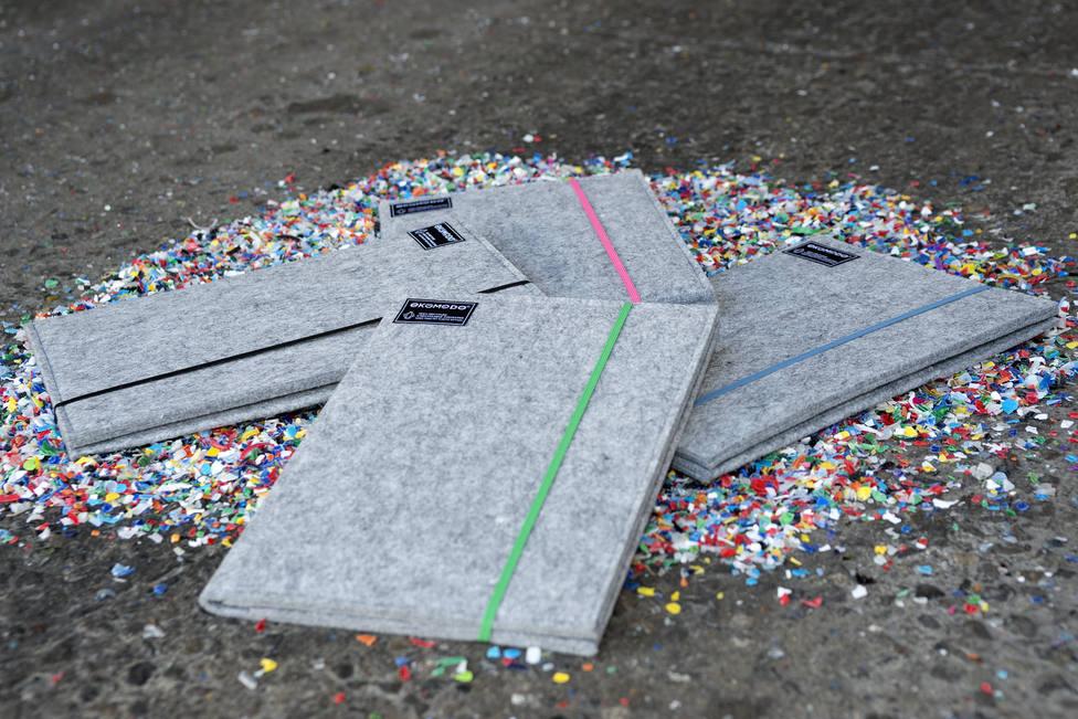Fundas de portátil creadas a partir de plástico reciclado