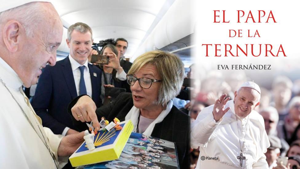 Eva Fernández entrega un regalo al Papa Francisco durante uno de sus viajes apostólicos