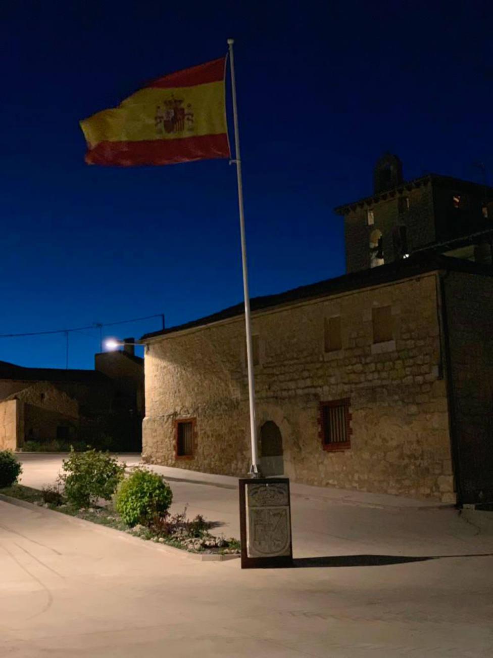 Monolito bandera Tamarón