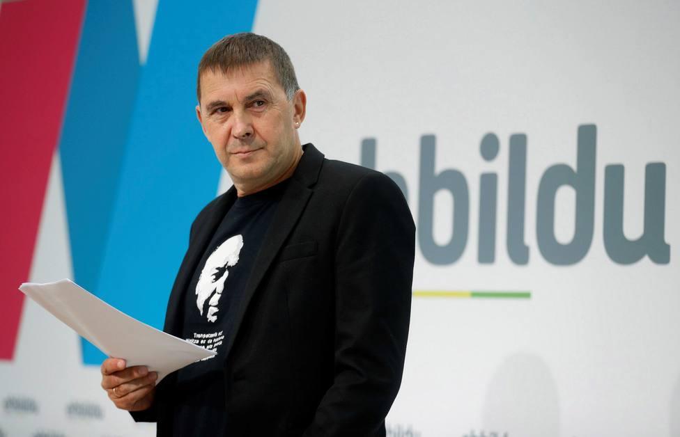 Arnaldo Otegi homenajea en Twitter a una de las terroristas más sanguinarias de ETA