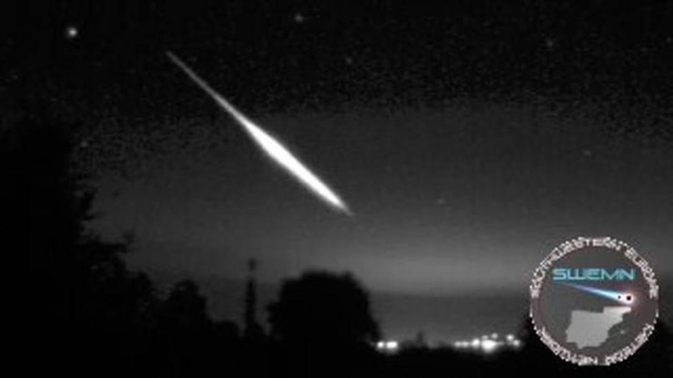 La roca de un asteroide provoca una bola de fuego visible en varias zonas de Sevilla