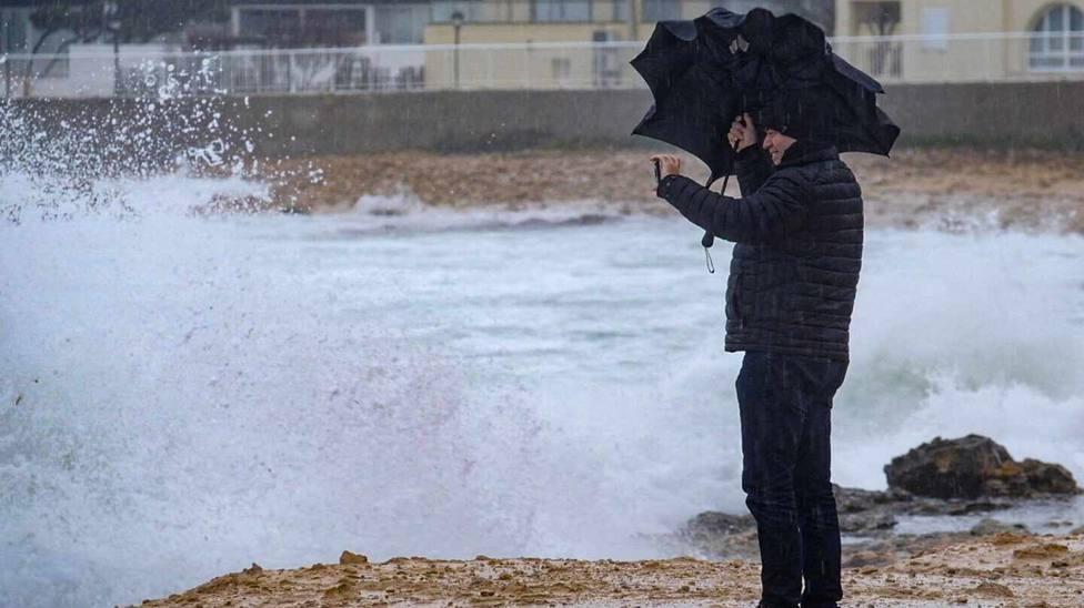 Un hombre de 71 años fallece por hipotermia, segunda víctima por el temporal en la provincia de Valencia