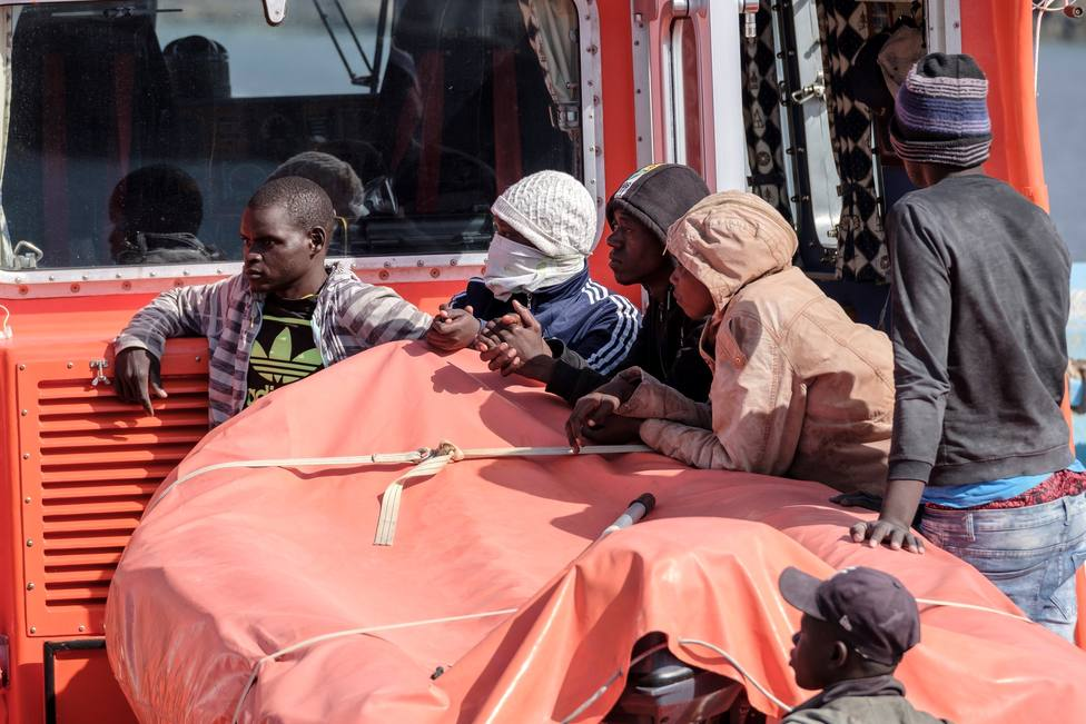 Salvamento Marítimo intercepta un cayuco con 37 personas al sur de Gran Canaria