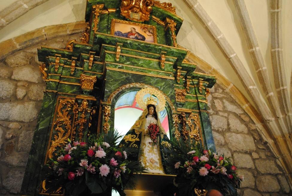 Talla de la Virgen de la Esperanza en Valdemorillo