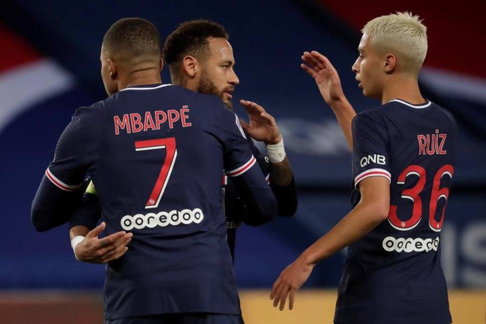 Keane y Mbappé ponen líder al PSG