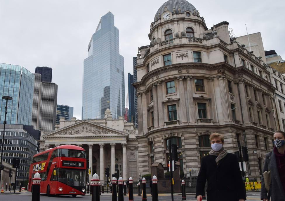 Reino Unido notifica un récord de contagios diarios desde que empezó la pandemia: 62.322 en el último día