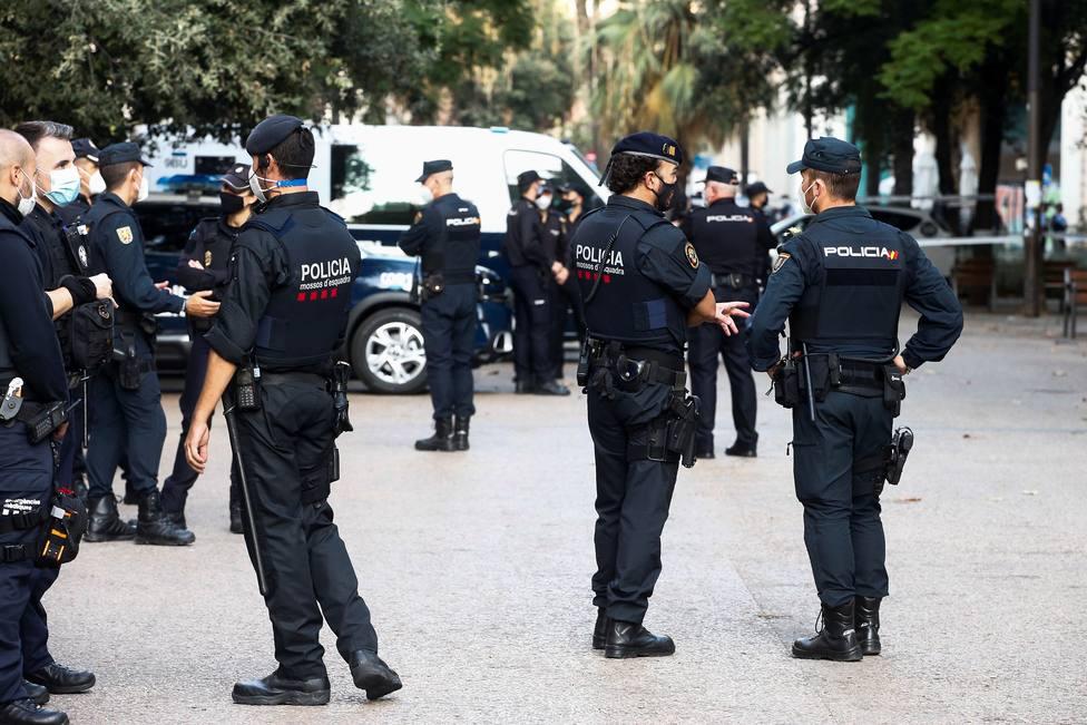 La Generalitat aprueba aumentar la retribución a 152 euros a Mossos y policías que trabajen el 14F