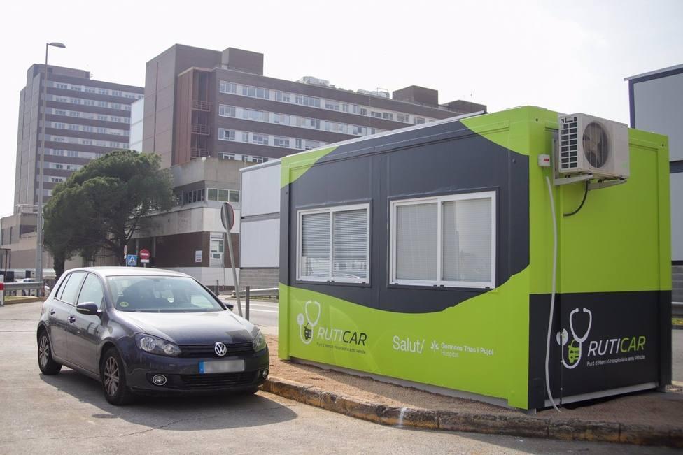 Coronavirus.- Can Ruti atiende a pacientes sin que salgan del coche en un nuevo dispositivo