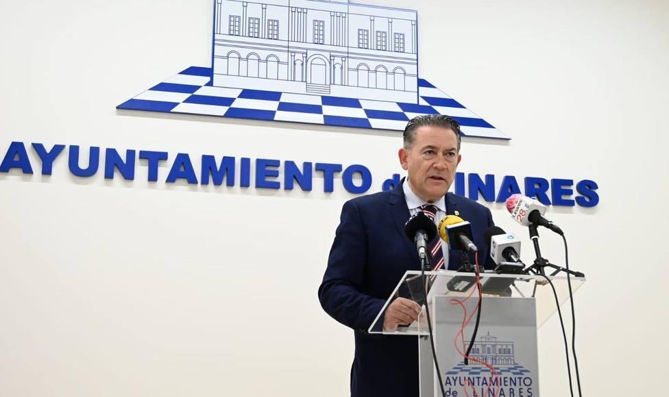 Raúl Caro, alcalde de Linares, en cuarentena tras dar positivo por covid-19