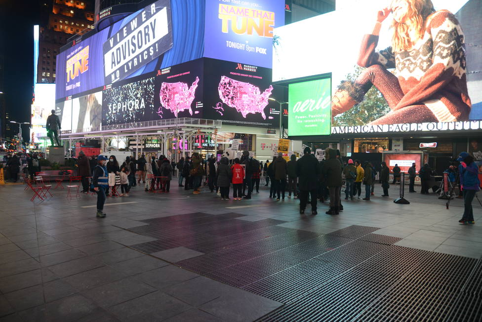 Detienen en la estación de metro de Times Square a un hombre con un Kalashnikov