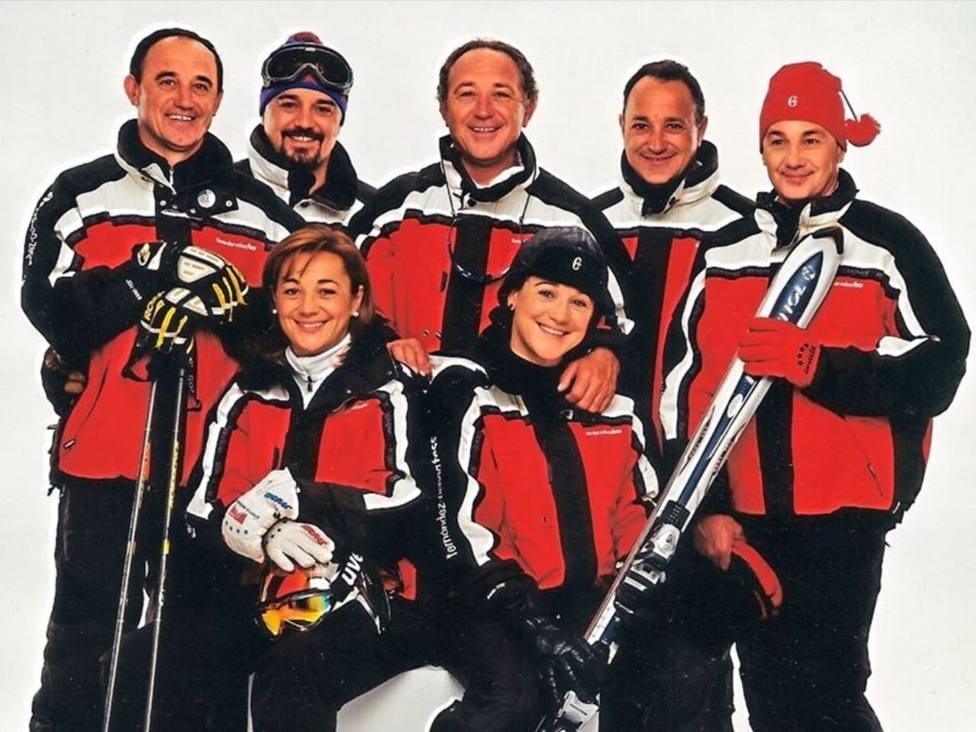 Los siete fiembros de la familia Fernández-Ochoa que esquiaban