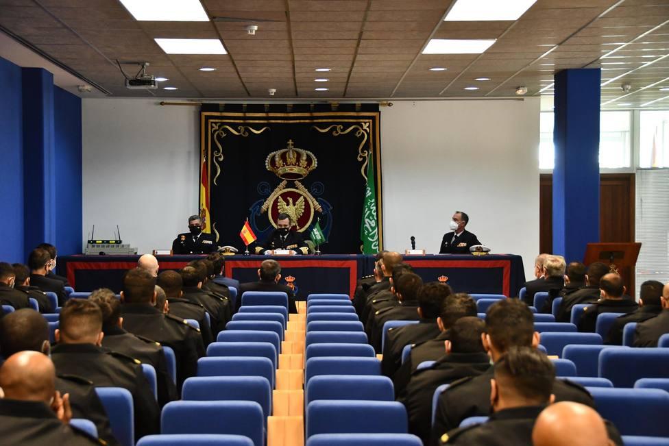 Los militares de Arabia Saudí en su primer acto en la escuela Antonio Escaño de Ferrol - FOTO: Armada