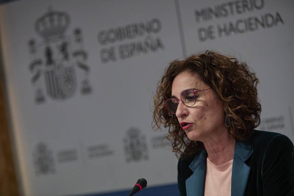 Montero asegura que la reforma fiscal prevista para 2023 se retrasará si lo hace la recuperación