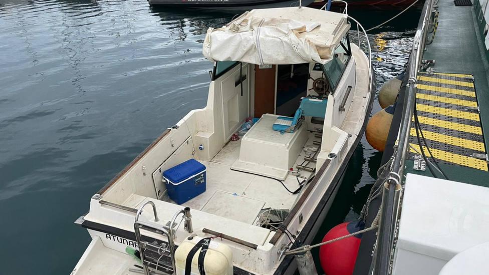 El Servicio Marítimo de la Guardia Civil intercepta una embarcación de recreo con 580 kg de hachís