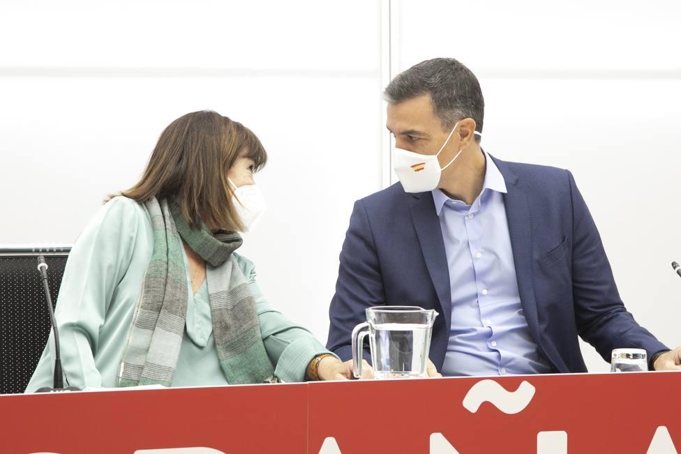 Sánchez da las gracias a las Ejecutiva del PSOE por su apoyo en momentos difíciles