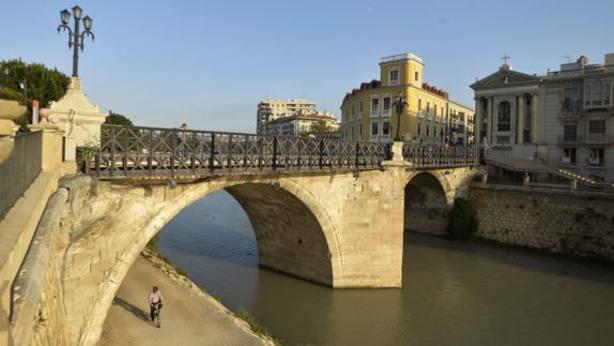 El Puente Viejo cumple hoy 300 años