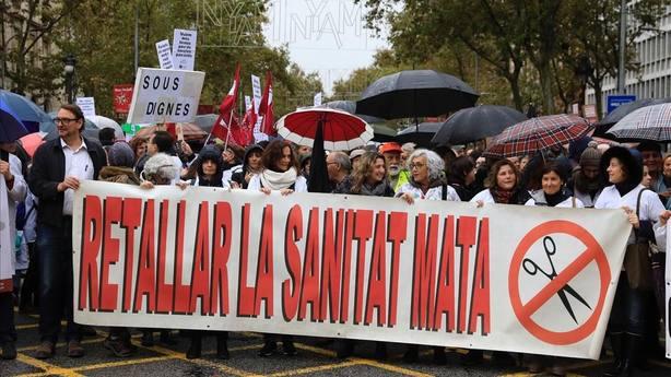 El Govern baraja inyectar 100 millones para acabar con la huelga de médicos