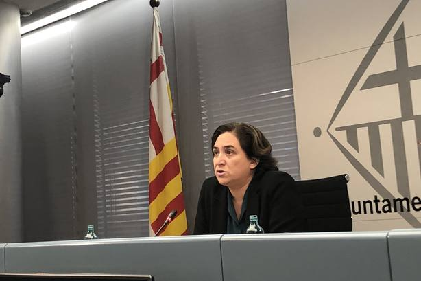 Colau critica la manifestación contra Sánchez: Si hay diálogo se les cae el conflicto que han creado