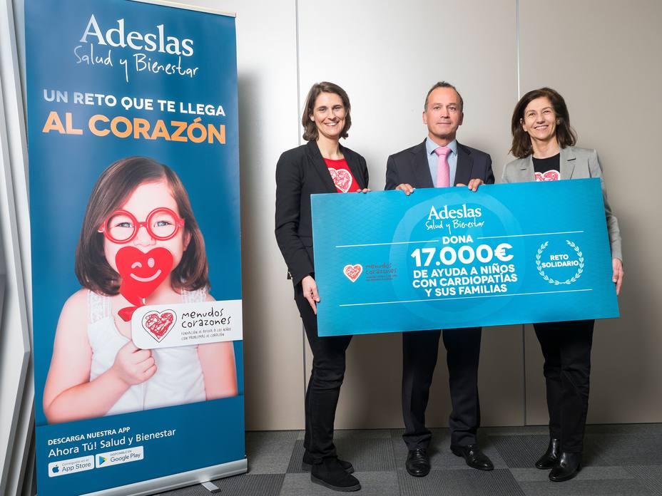 La Fundación Menudos Corazones recibe 17.000 euros de SegurCaixa Adeslas para programas sociales
