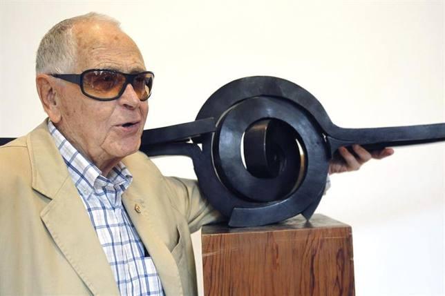 Muere Martín Chirino, el maestro de las espirales