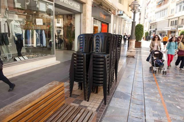 El Ayuntamiento saca a licitación las sillas de Semana Santa
