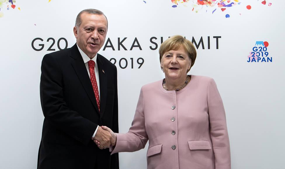Erdogan y Merkel abordan el acuerdo migratorio de cara a una posible nueva ola