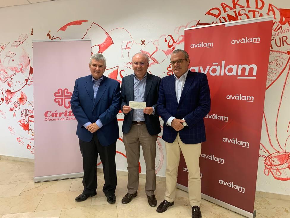Cáritas recibe 20.000 euros de Aválam para ayudar ante la DANA
