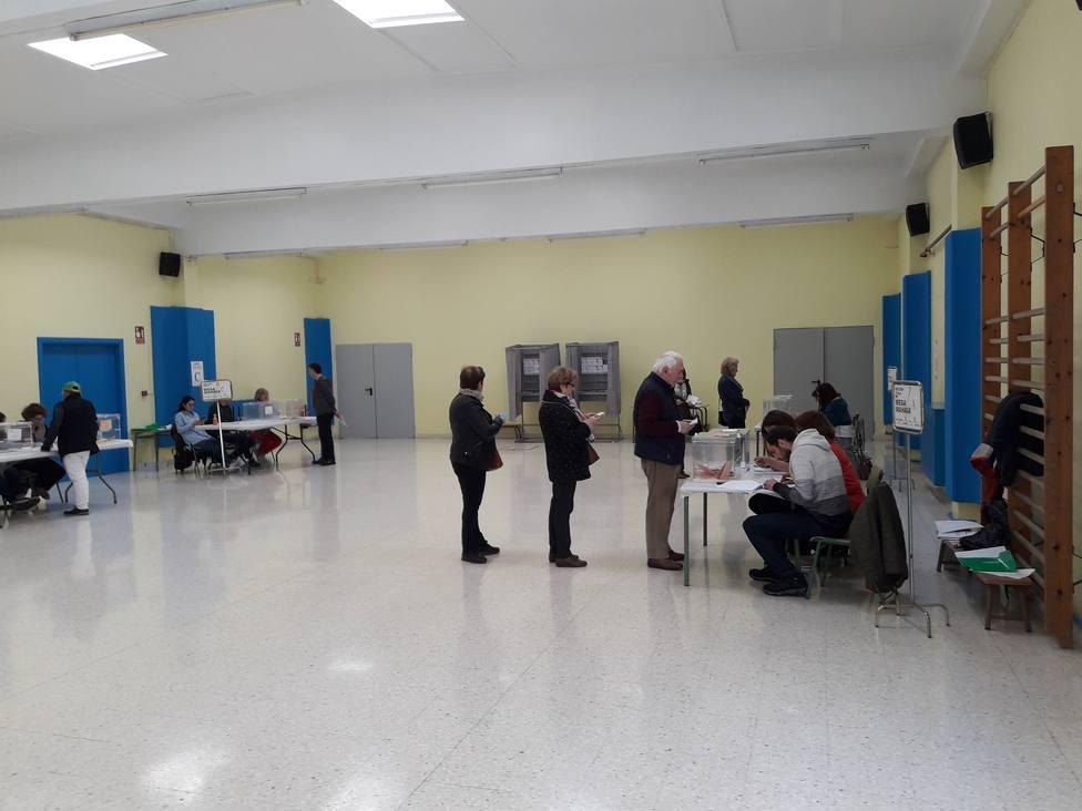Un total de 3.000 notarios están de guardia este domingo por si son requeridos durante la jornada electoral