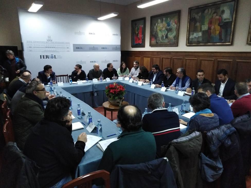 El primero encuentro entre alcaldes, sindicatos y empresarios se celebró el 9 de enero