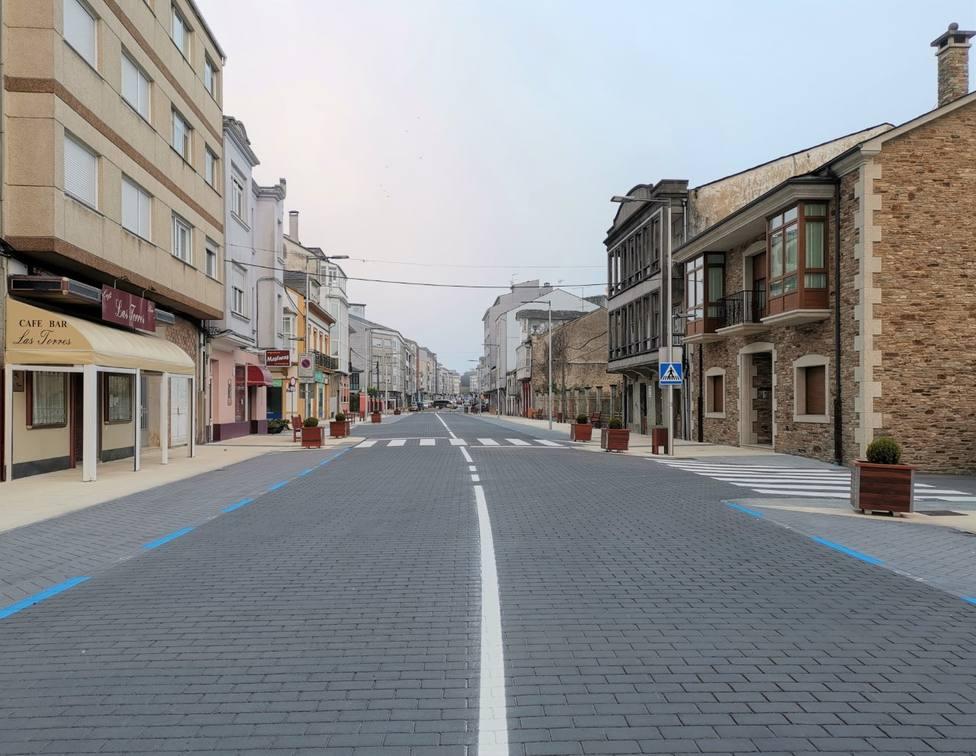 La Avenida de Galicia es una de las zonas más transitadas de As Pontes - FOTO: Concello As Pontes