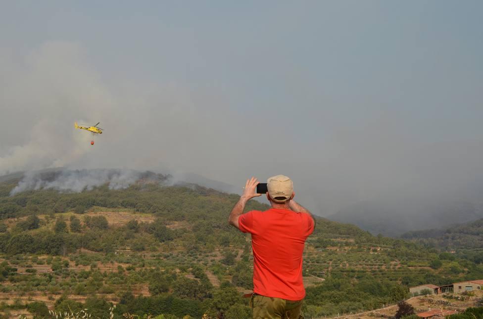 El incendio del Valle del Jerte sigue activo y con nivel 2 de peligrosidad