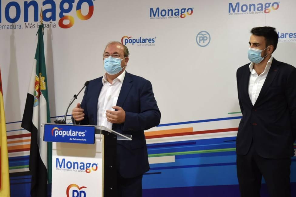José A. Monago en rueda de prensa junto al líder de Cs Extremadura David Salazar