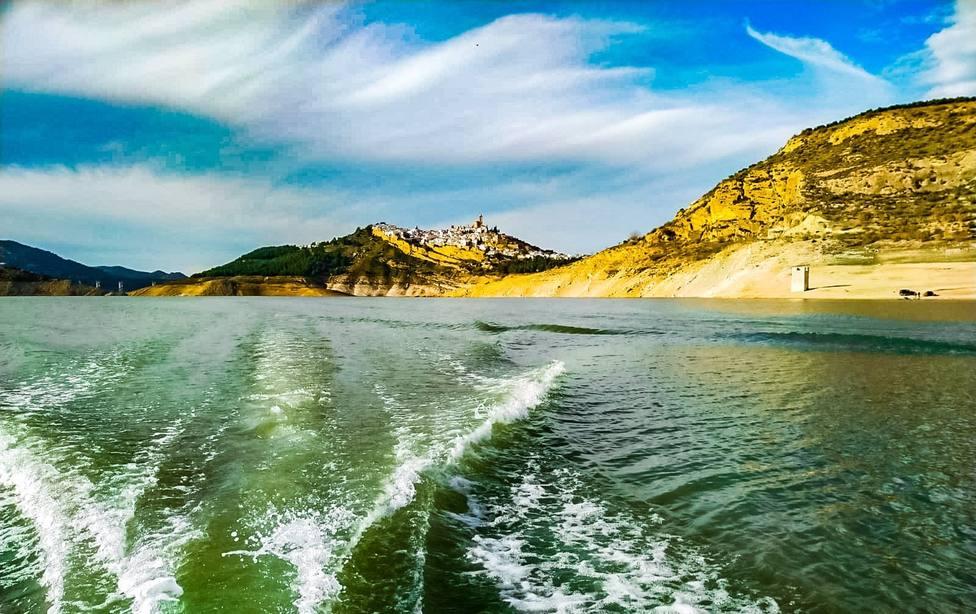 Los Reyes Magos surcarán el Lago de Andalucía en lanchas a motor para llegar a Iznájar