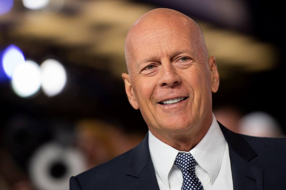 Echan a Bruce Willis de una farmacia al negarse a llevar mascarilla