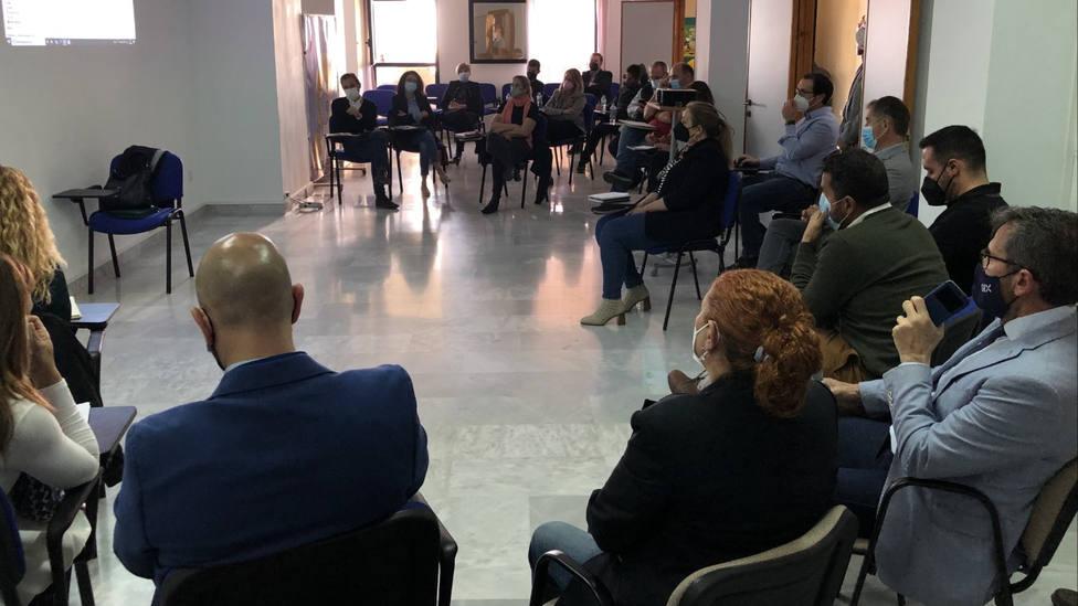 La Junta de Andalucía presenta en la Costa Tropical las subvenciones para conseguir la excelencia en la playa
