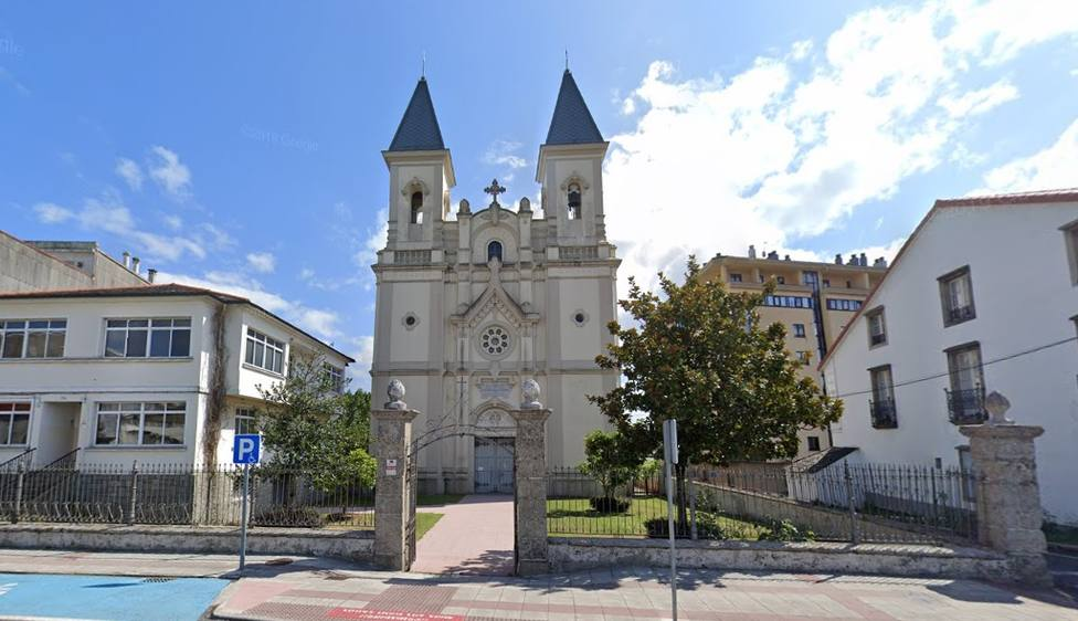 Fachada de la iglesia de Santa Rita de Xuvia, en Narón