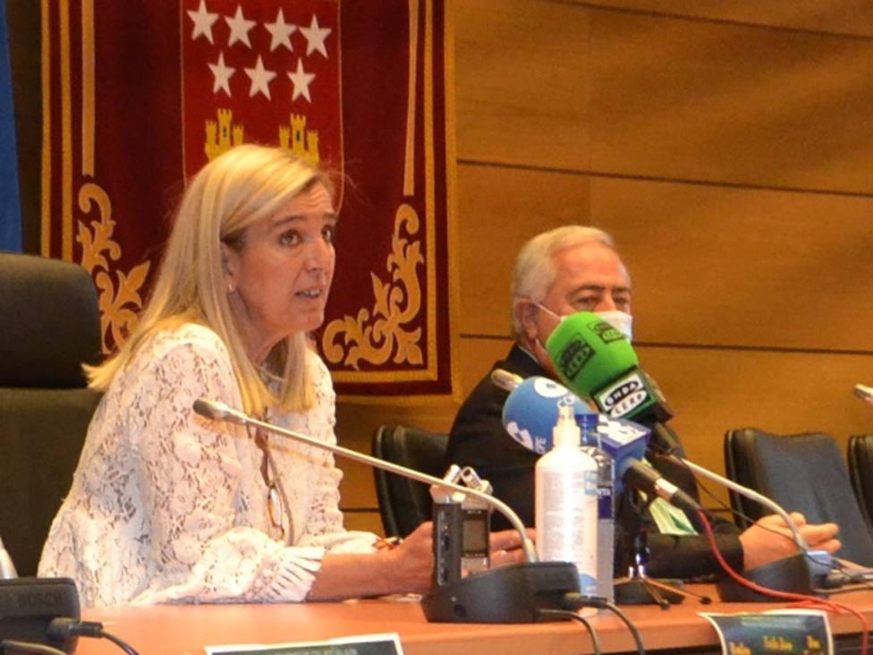 La alcaldesa, Mariola Vargas, y el edil de Festejos, Carlos Sanz, en la presentación