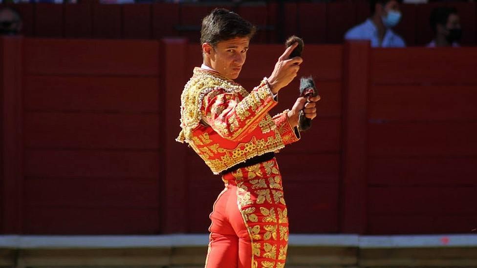 Manuel Diosleguarde con las dos orejas cortadas este sábado en Toro (Zamora)