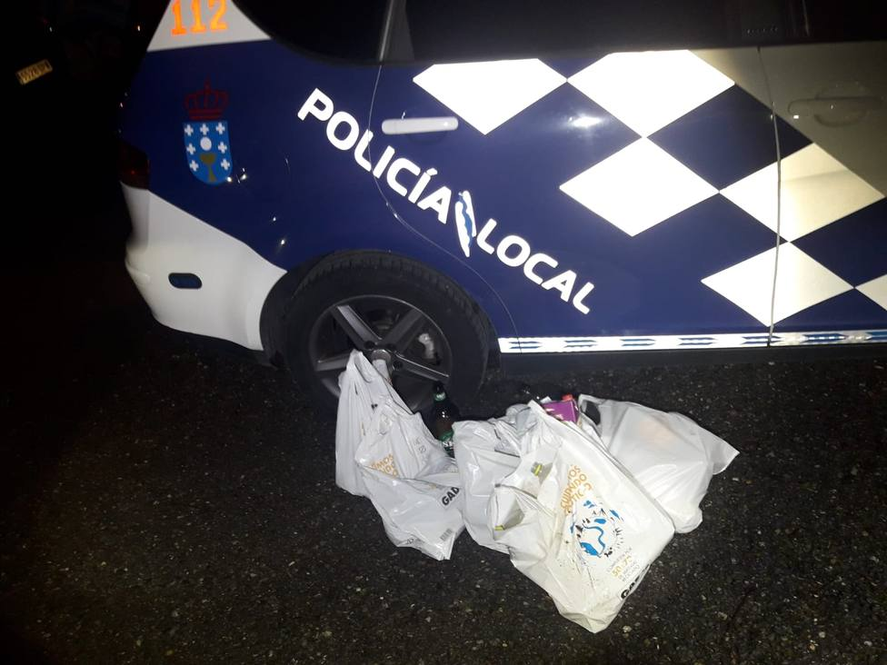 La Policía Local disolvió un botellón en la zona de O Carme