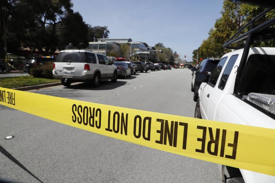 Dos muertos y cuatro heridos tras un tiroteo en un estudio de yoga en Florida
