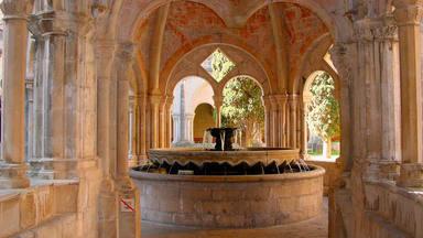 Monasterio de Poblet: las cinco iglesias más bonitas que tienes que visitar si viajas a Cataluña