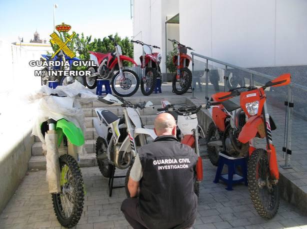 Desmantelada una supuesta organización criminal de 22 miembros dedicada a la compra y venta de motos en Sevilla