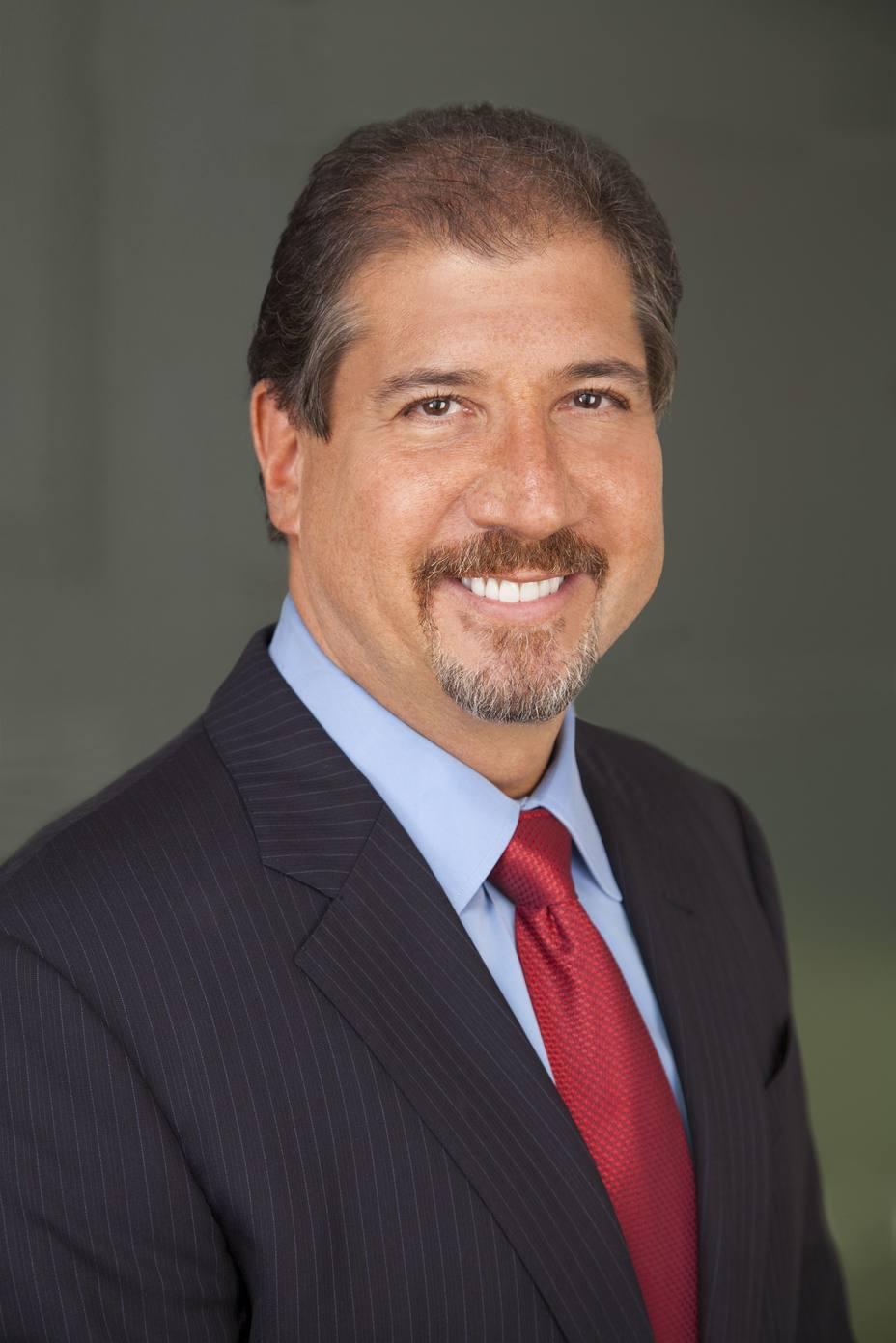 El presidente y consejero de EY, Mark Weinberger, abandonará su cargo en 2019