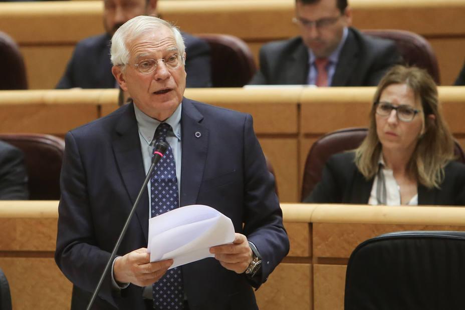 Borrell llama a la sociedad a responder a los ataques feroces del independentismo catalán con una defensa del país