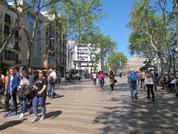 El 67,8% de los catalanes cree que la convivencia con inmigrantes es buena, según el Centre dEstudis dOpinió