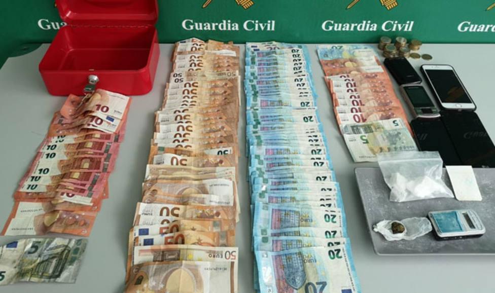 La Guardia Civil desarticula dos puntos de venta de droga en Palencia.